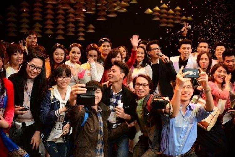 Nghe Hồng Nhung hát Diễm xưa bằng 2 thứ tiếng Việt  Nhật đầy sâu lắng