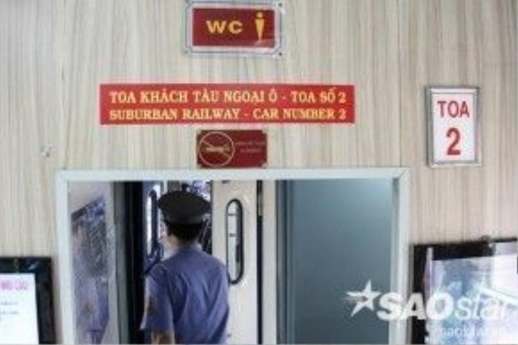 Khách đi tàu mang theo hành lý, xe đạp điện, xe đạp, xe gắn máy sẽ được vận chuyển miễn phí. Riêng xe gắn máy chỉ nhận chở đi đến các ga Sài Gòn, Sóng Thần, Dĩ An và chịu mức phí bốc xếp hai đầu là 5.000 đồng/xe.