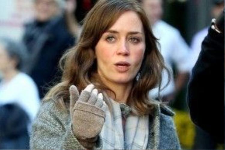 """Khán giả sẽ được gặp """"cô gái trên tàu"""" Rachel qua diễn xuất của Emily Blunt vào tháng 10 năm nay."""