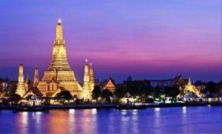 Bangkok: 3 ngày nghỉ giỗ Tổ Hùng Vương bắt đầu sau lễ hội Songkran - Tết năm mới của Thái Lan. Không được tham gia vào một trong lễ hội lớn nhất quốc gia này song với mức giá tour mềm, dịch vụ du lịch tốt, trải nghiệm phong phú, Bangkok là tuyến tour được nhiều du khách Việt lựa chọn. Ảnh: Tripadvisor.