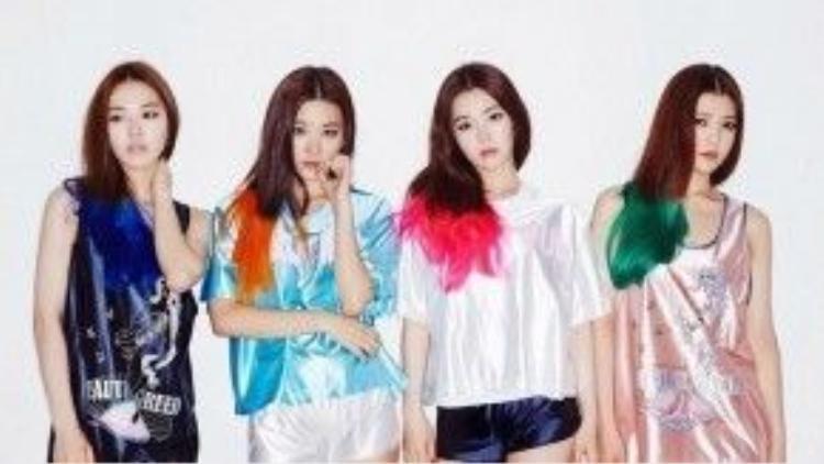 Ngay cả Red Velvet khi mới ra mắt cũng bị nhận xét là hầu hết các thành viên trông giống nhau in hệt, trừ Joy.