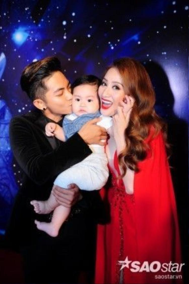 Khánh Thi - Phan Hiển và con trai