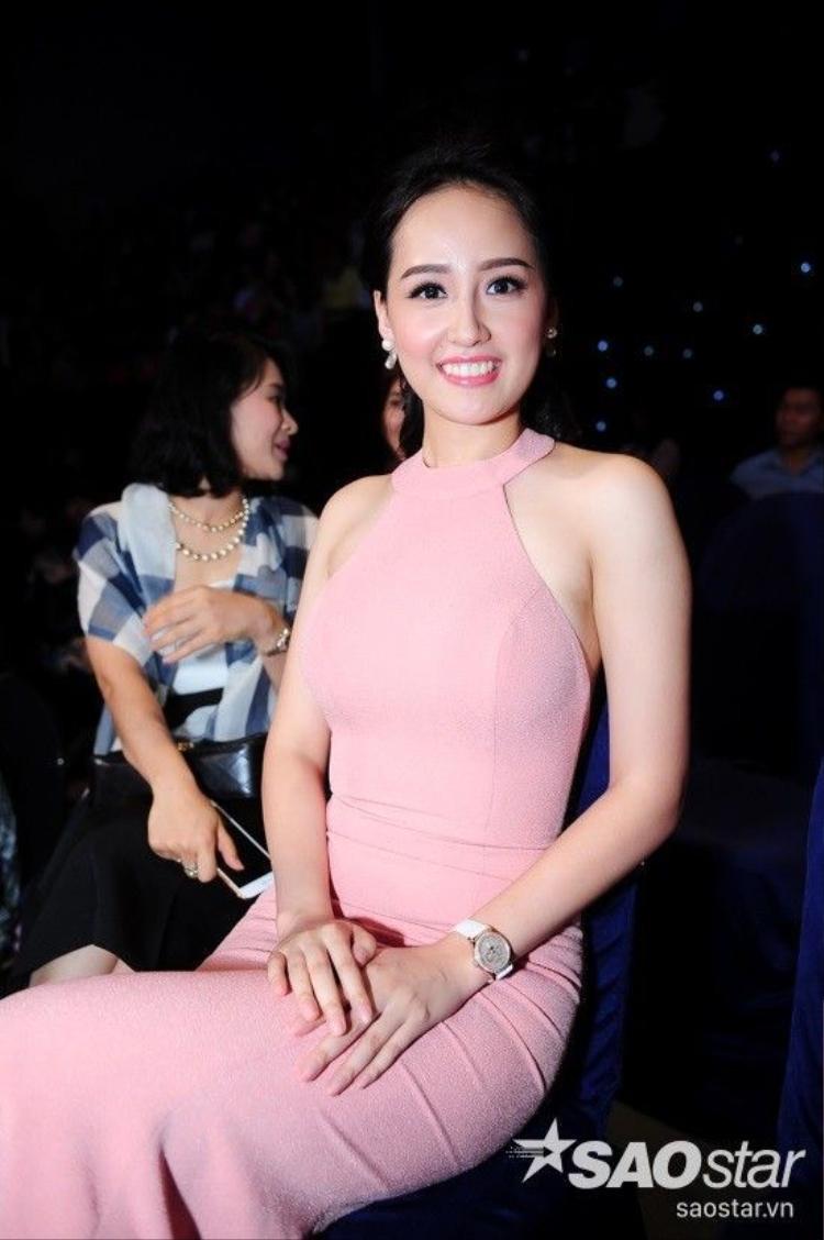 Mai Phương Thúy, Phạm Hương, Lan Khuê đồng loạt khoe vai trần gợi cảm trên thảm đỏ VIP Dance