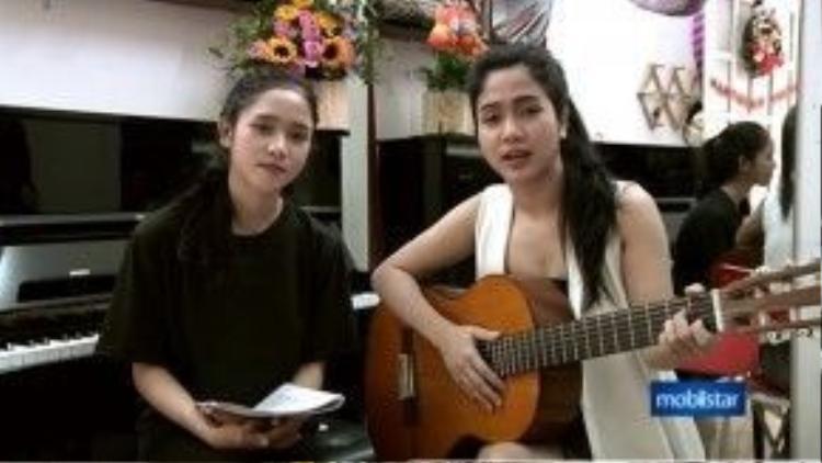 Hai chị em Phương Anh - Phương Ý cùng có niềm đam mê âm nhạc.