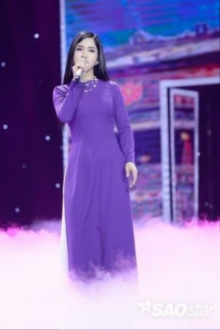 Phương Anh sẽ mang đến sân khấu Bolero những thanh âm của xứ Huế mộng mơ với ca khúc Tôn nữ còn buồn.