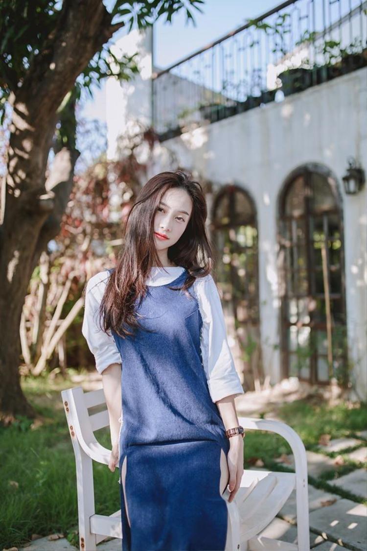 Mùa hè nhẹ tênh với gu thời trang less is more của Jun Vũ