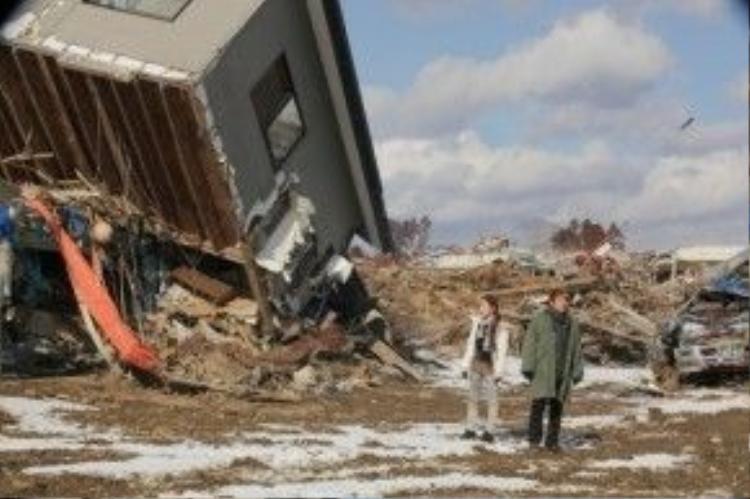 Khung cảnh tan hoang sau động đất