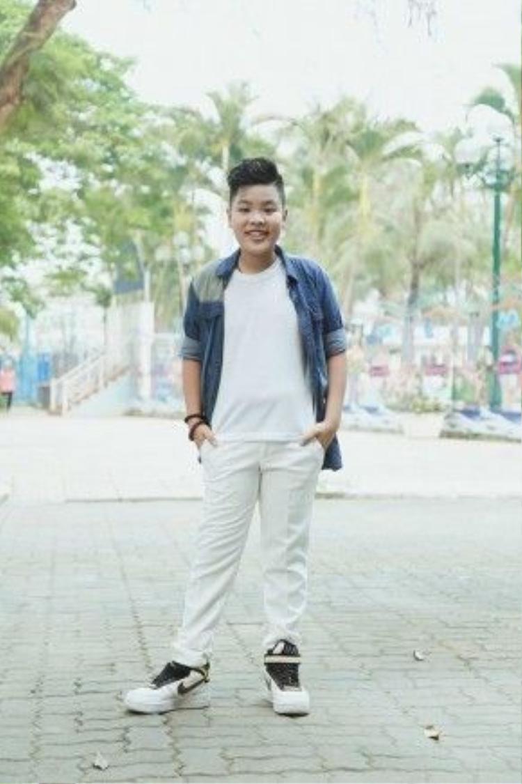 Tiến Quang là thí sinh nổi bậttại Giọng hát Việt nhí 2015 với ngoại hình mũm mĩm và giọng hát đầy nội lực.Phong cách âm nhạc của Tiến Quang rất hiện đại, mạnh mẽ và bắt kịp những xu hướng thời thượng trên thế giới.