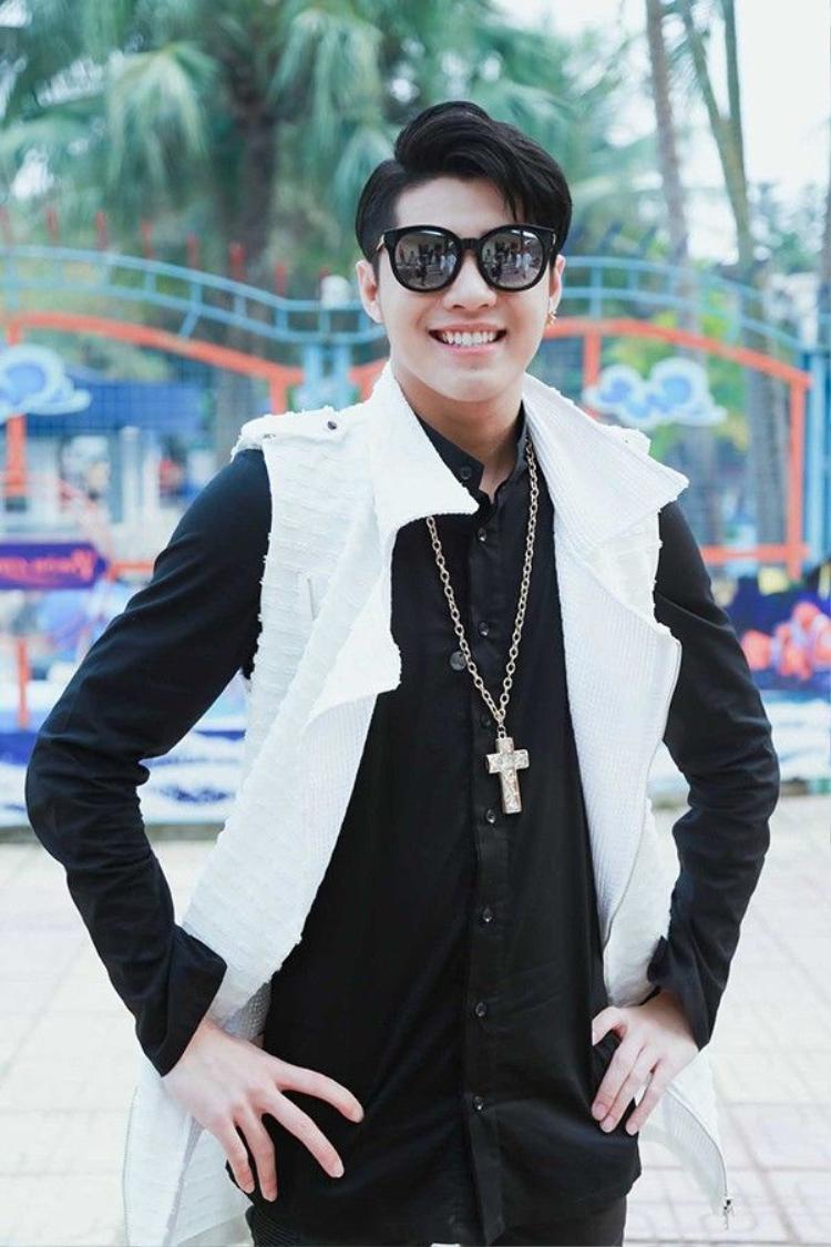 Noo Phước Thịnh thân thiết bên á quân Giọng hát Việt nhí Tiến Quang