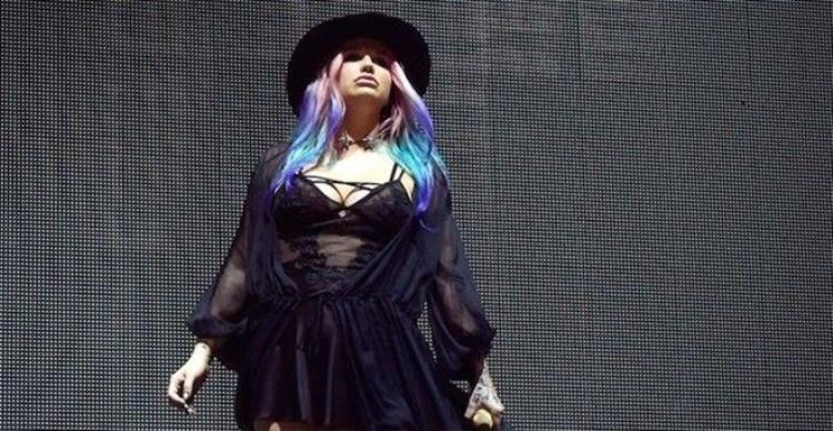 Coachella: Khẳng định không chịu thua Dr. Luke, Kesha đã thật sự sống lại