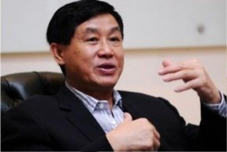 Đại gia Johnathan Hạnh Nguyễn