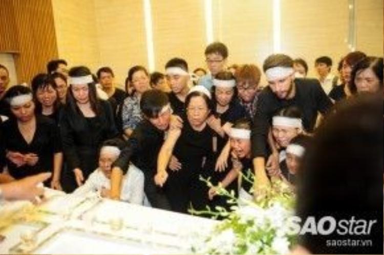 Giây phút cuối cùng người thân còn được ở bên cạnh nhạc sĩ Nguyễn Ánh 9.