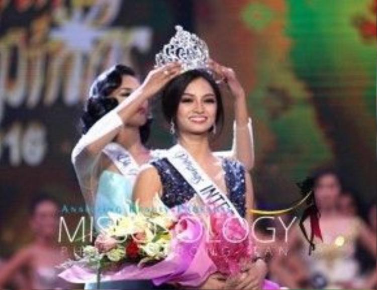 Người đẹp đại diện Philippines tại cuộc thi Hoa hậu Quốc tế 2016 cũng được trao giải trong đêm chung kết.