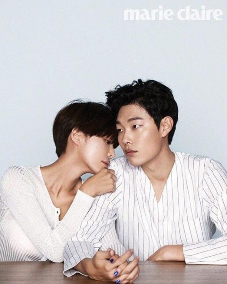 Tạo hình xấu lạ của Hwang Eum Jung và Ryu Joon Yeol trong Lucky Romance