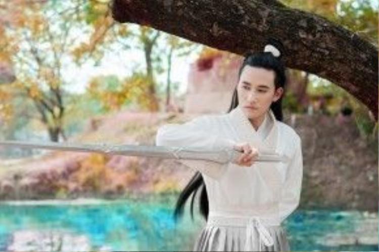 Hà Trí Quang trong vai Bạch Tử Họa.