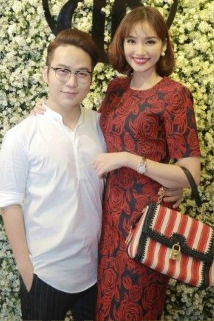 Hoa hậu Trương Tri Trúc Diễm cũng đến chúc mừng NTK Chung Thanh Phong.