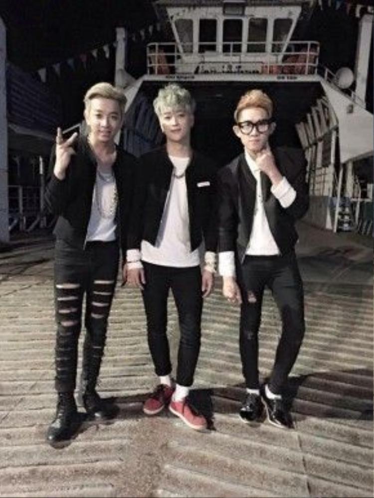 Sau 11 năm hoạt động trong showbiz, HKT vẫn tất bật với các show diễn.