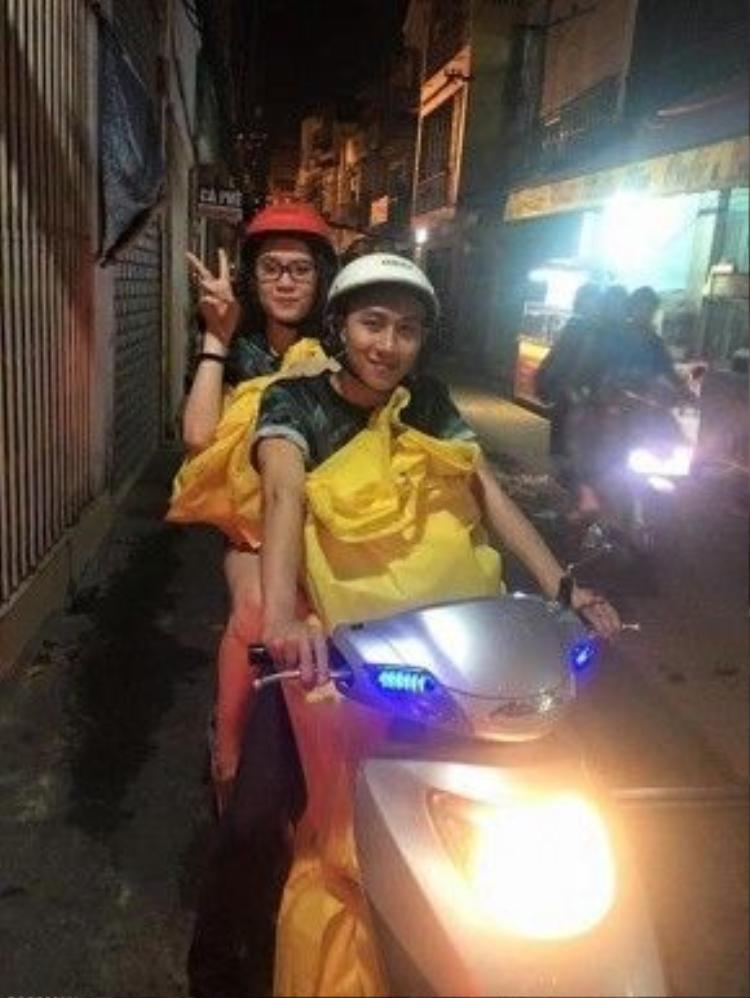 Gia Hùng tích cực tham gia các chuyến đi từ thiện cùng mọi người.