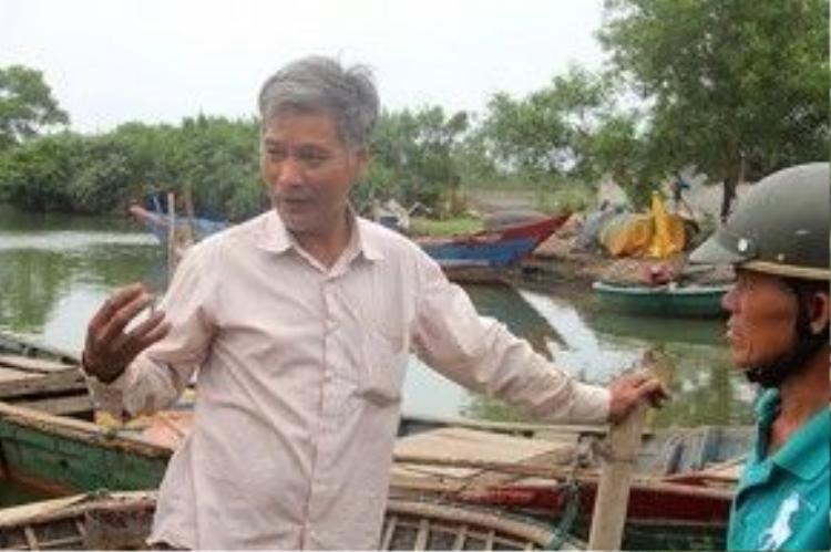 Ngư dân Nguyễn Xuân Thảo (xã Lộc Vĩnh) cho hay, sau khi xuất hiện cá chết, nhiều hộ dân đã phơi thuyền, không ra khơi đánh cá.