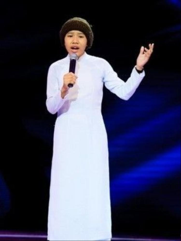 Huyền Trân nổi bật trong cuộc thi Giọng hát Việt nhí 2014 với những phần trình diễn nhạc Trịnh vô cùng sâu lắng khi chỉ 12 tuổi.