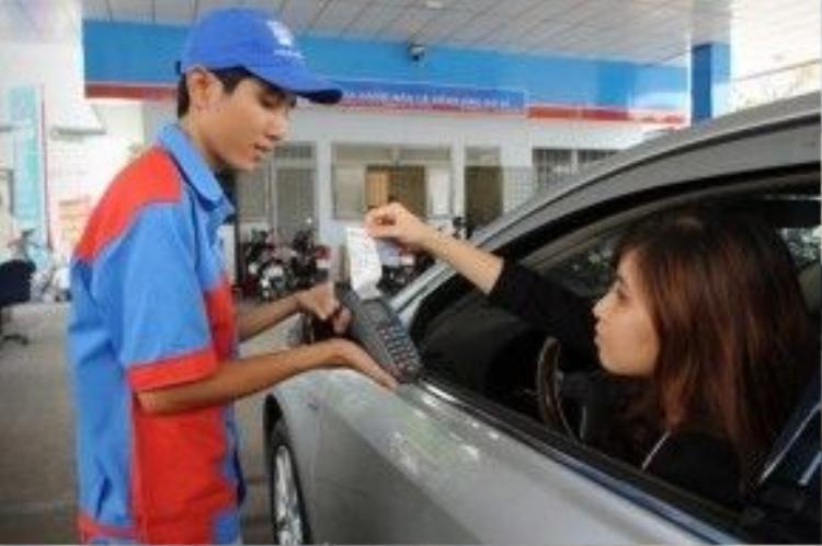 Yêu cầu lấy hóa đơn mua xăng còn là sự ràng buộc trách nhiệm của bên bán với loại nhiên liệu họ cung cấp cho khách hàng