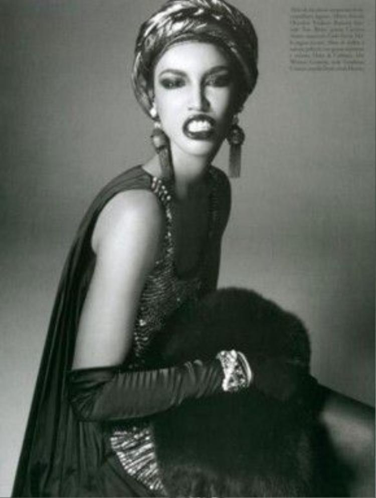 Cùng chờ đợi màn trình diễn thời trang của cô khi sải bước trên sàn catwalk thần thánh như thế nào!