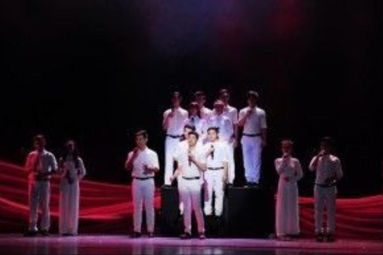 Noo Phước Thịnh cũng là một bất ngờ lớn của chương trình khi anh hát song ca với Đức Tuấn bài hát nổi tiếng Tự nguyện.