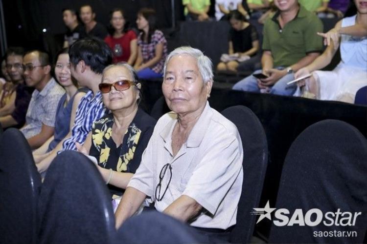 Cẩm Ly chăm chút tỉ mỉ cho học trò cưng Cao Công Nghĩa trước giờ lên sóng