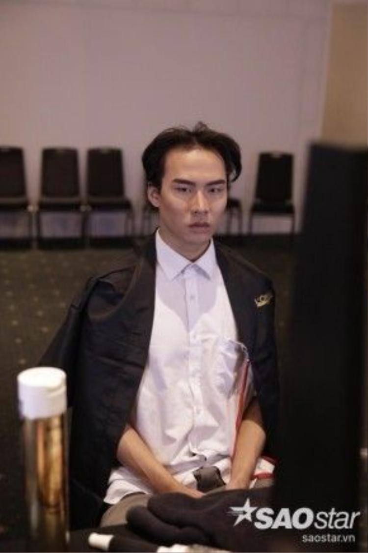Người mẫu Võ Thành An cũng là một trong những mẫu nam biểu diễn trong đêm nay, hứa hẹn mang đến sự phấn khích cho người hâm mộ.