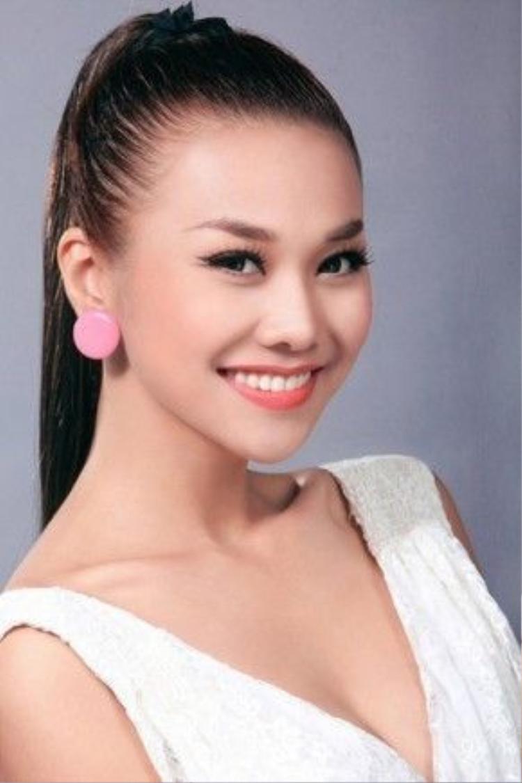 Khi mới nổi tiếng, Thanh Hằng cũng đã sở hữu vẻ đẹp tự nhiên đáng khao khát cùng hình ảnh rạng ngời quen thuộc.