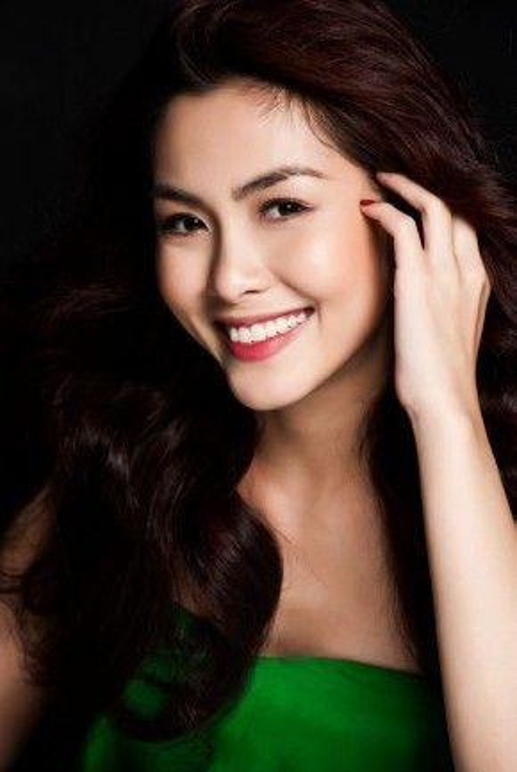 Hàm răng đều tăm tắp là điểm cộng khiến Tăng Thanh Hà luôn xinh đẹp hút hồn.
