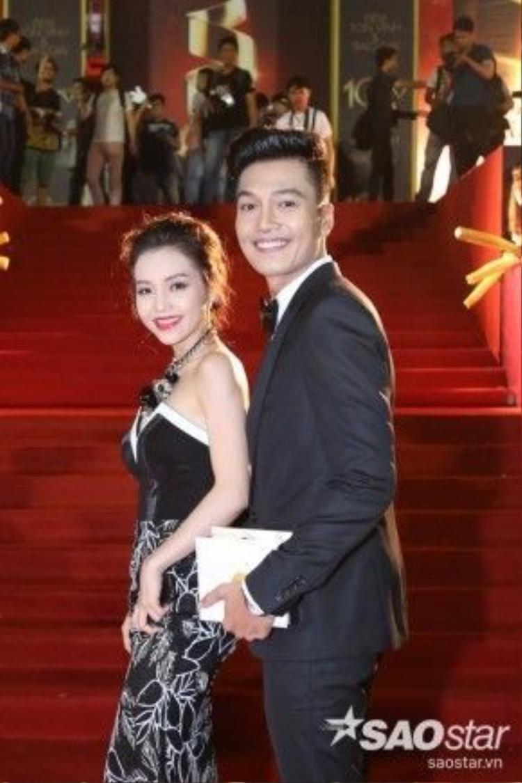Diễn viên Quang Tuấn và bạn gái.