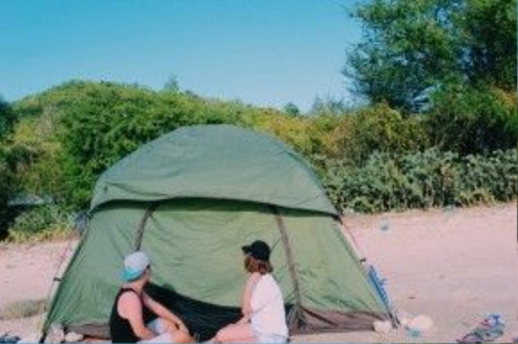 Ở Điệp Sơn thì cách tốt nhất là cắm trại thì mới có thể tận hưởng được hết vẻ đẹp của nơi đây.