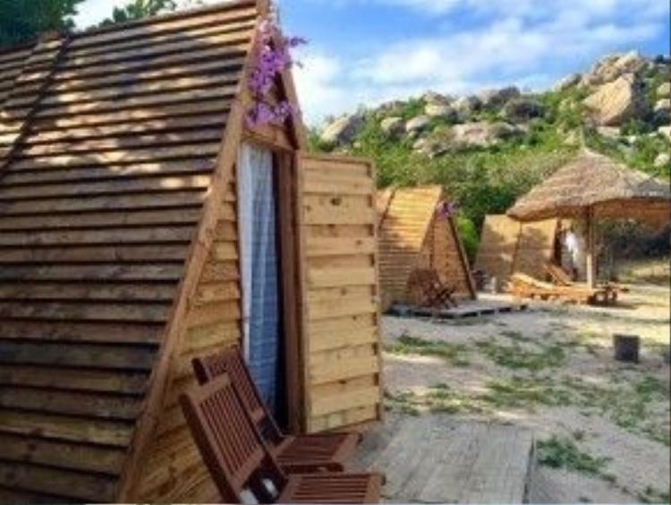 Những căn lều gỗ theo phong cách du mục nổi tiếng ở Sao Biển.