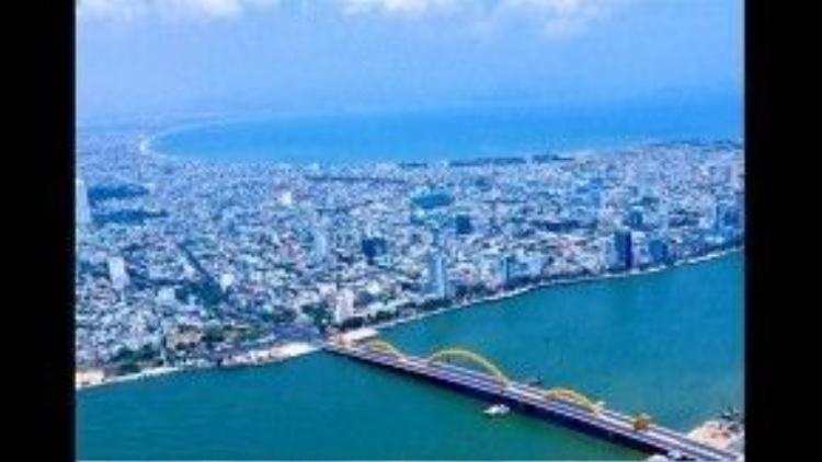 Thành phố Đà Nẵng nhìn từ trên cao.