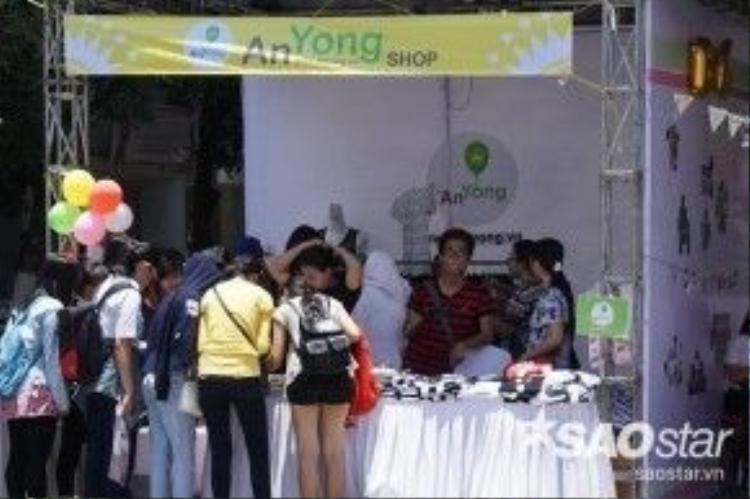 Gian hàng của YG Family Vietnam FC