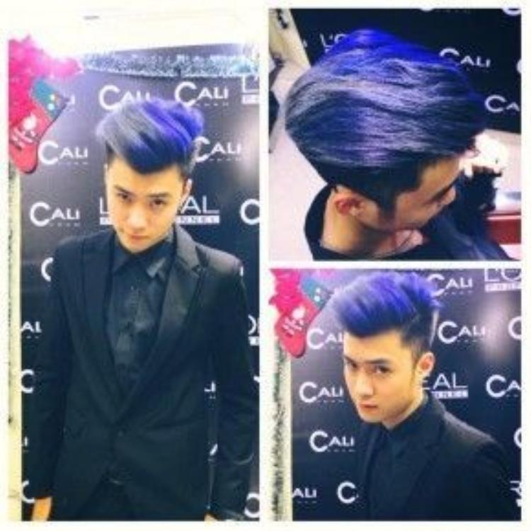 Một trong những màu tóc khá bắt mắt và vô cùng ấn tượng của Vương Anh Ole. Kết hợp ba màu xanh - tím và xám.