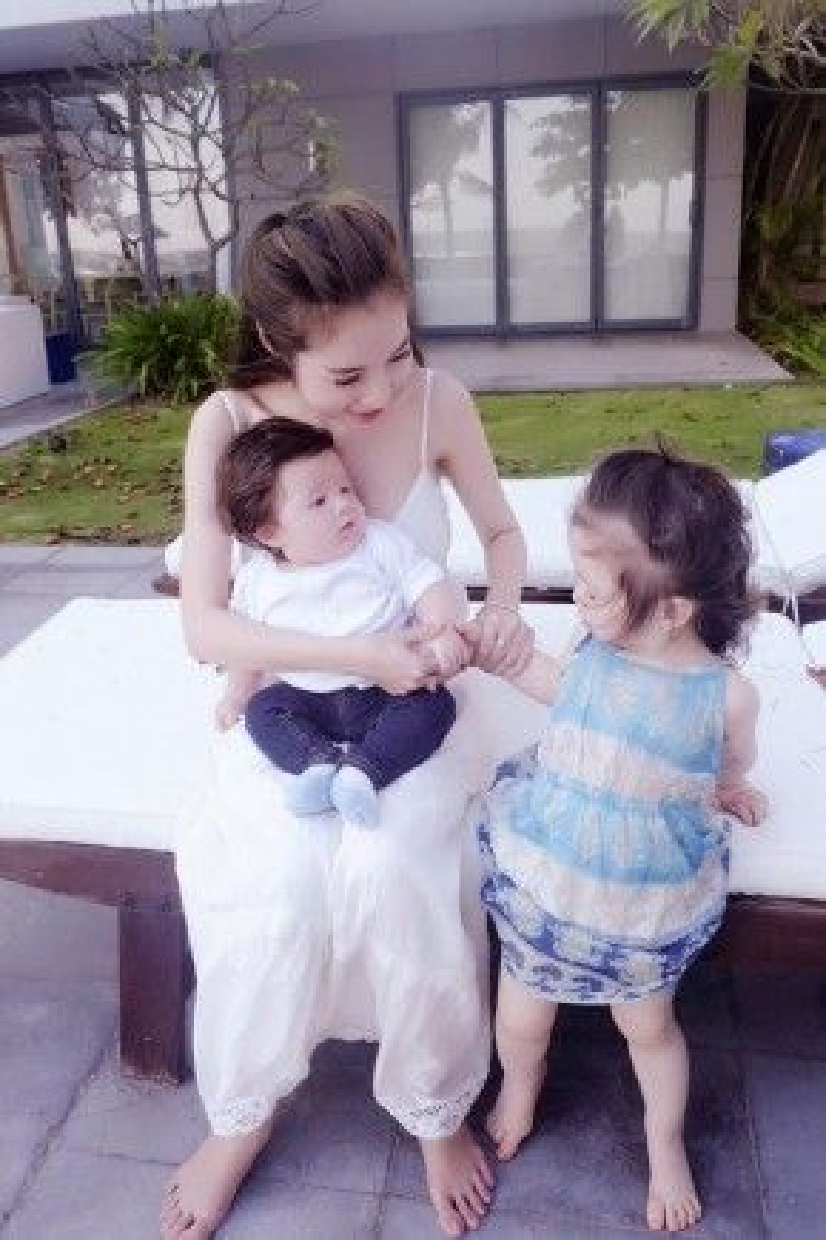 Được sinh ra và trở thành mẹ của những đứa trẻ chính là niềm hạnh phúc vĩ đại nhất với Elly Trần.