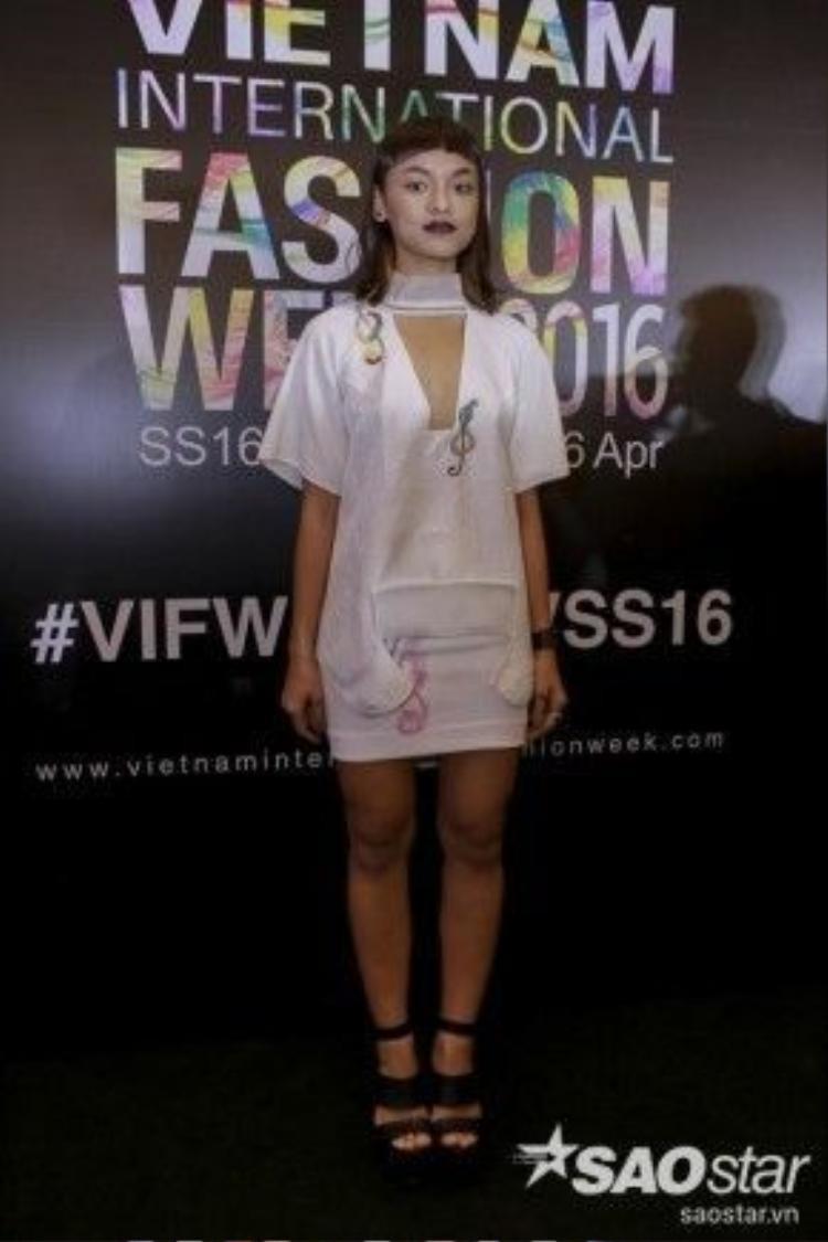 Quỳnh Mai tại sự kiện tuần lễ thời trang quốc tế Việt Nam tối 24/4.