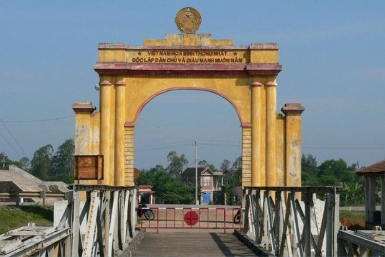 8 di tích chiến tranh thu hút khách không tưởng trên đất Việt