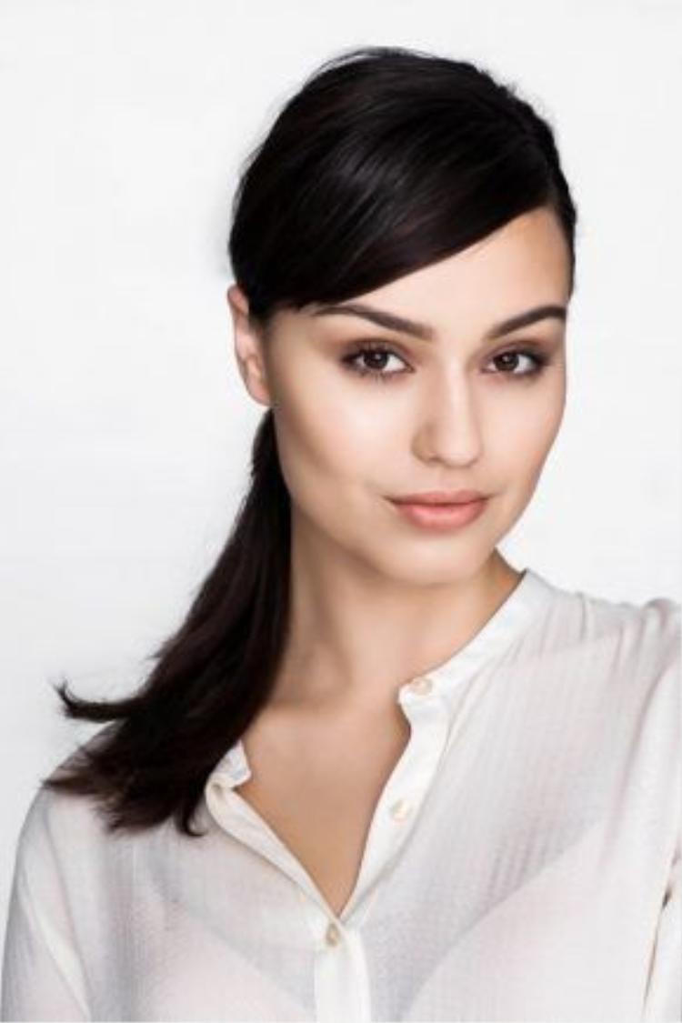 Olivia bước vào ngành thời trang khi mới 14 tổi qua một cuộc thi trong chuỗi lễ hội Perth Fashion vào năm 2008.