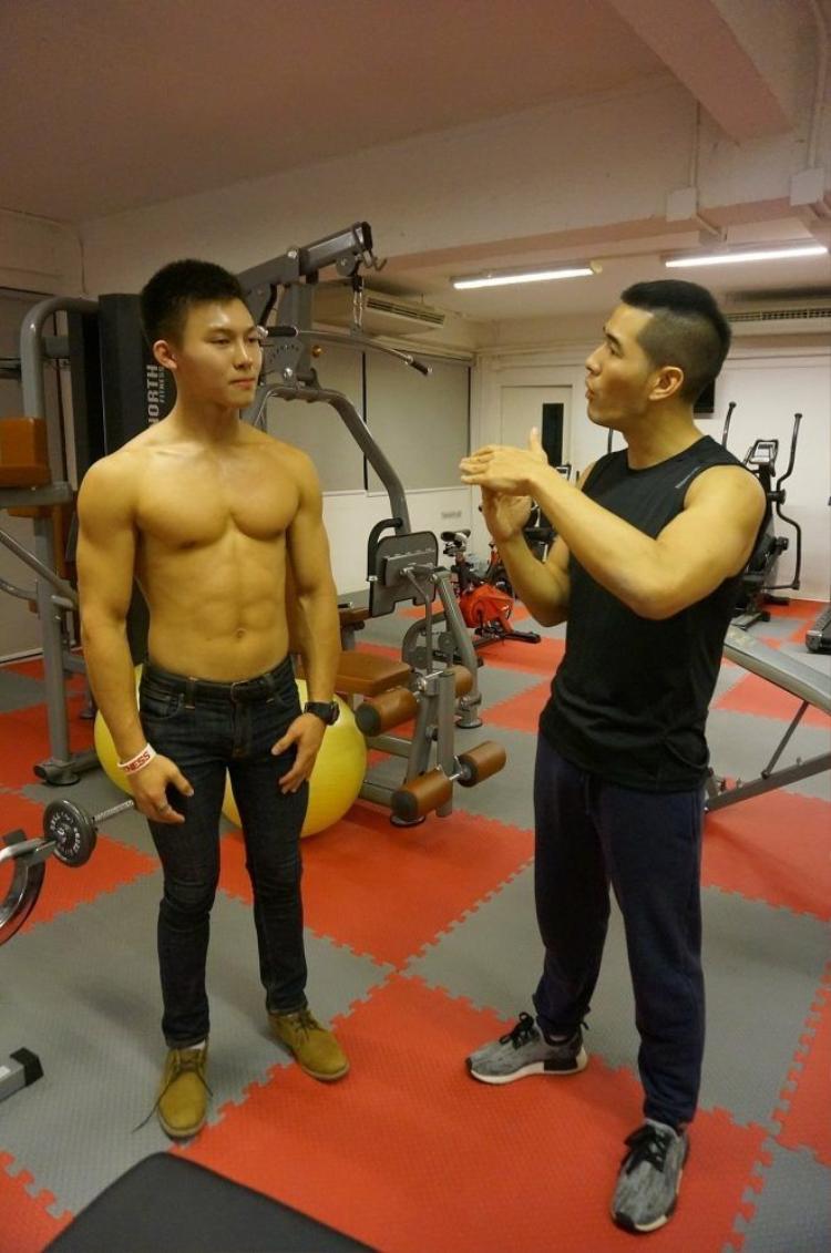 Từ gầy nhom đến 6 múi, hãy học tập ngay cậu hotboy Thái Lan này!