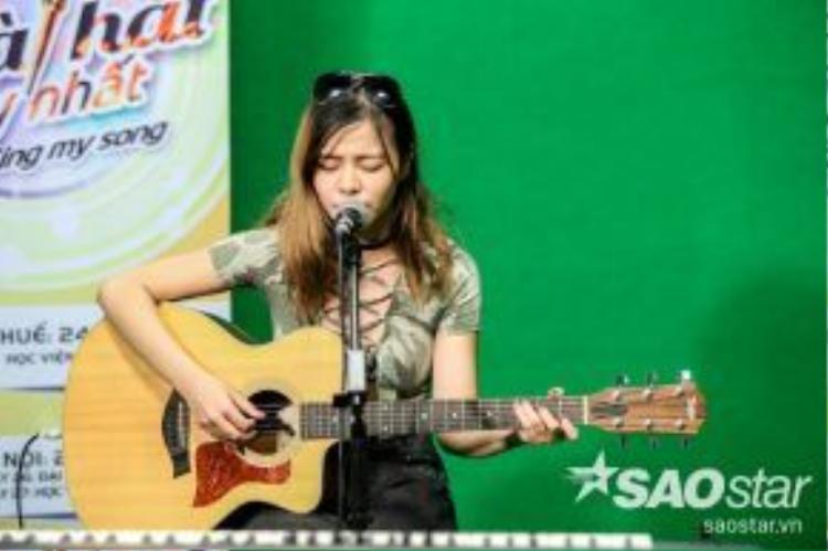 Tia Hải Châu - cô gái giành chiến thắng trong mùa đầu tiên của cuộc thi Tôi là… người chiến thắng vào năm 2013. Cô cũng là một trong những ca sĩ người Việt đầu tiên kí kết hợp đồng cùng một trong những hãng thu âm hàng đầu quốc tế, Universal Music.