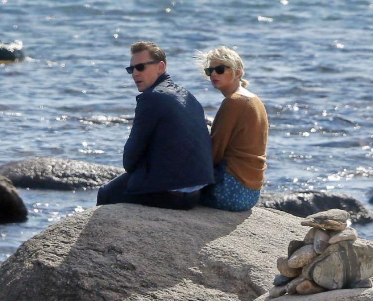 HOT: Hình ảnh giật gân tiết lộ chuyện tình bí mật của Taylor Swift và Tom Hiddleston
