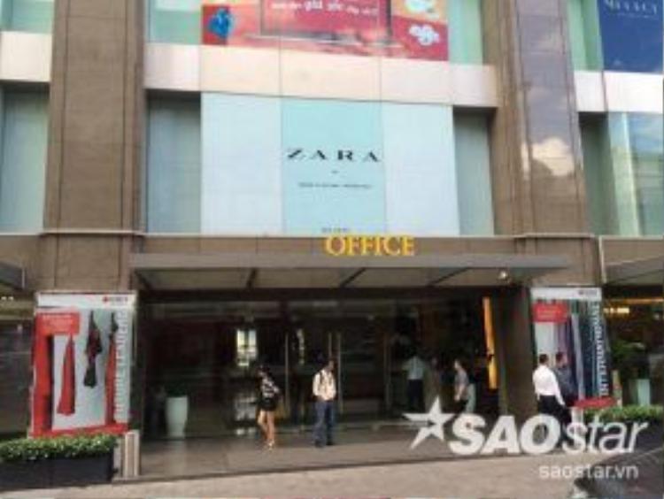 """""""Đại bản doanh"""" hoành tráng của Zara tại TP HCM"""