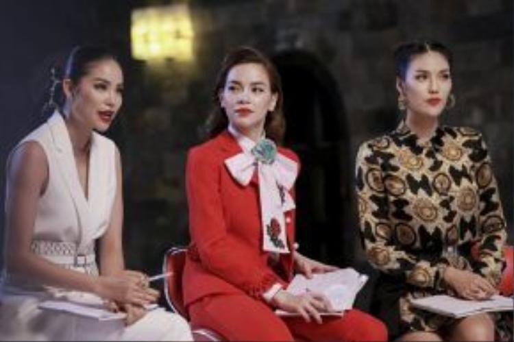 Liệu ai sẽ lấp đầy doanh số trong team đầu tiên? Những gương mặt nào sẽ bước vào top 15? Hãy chờ đón những bí mật đầu tiên của Gương mặt thương hiệu - The Face Việt Nam vào lúc 20h tối thứ 7 (18/6) trên VTV3.