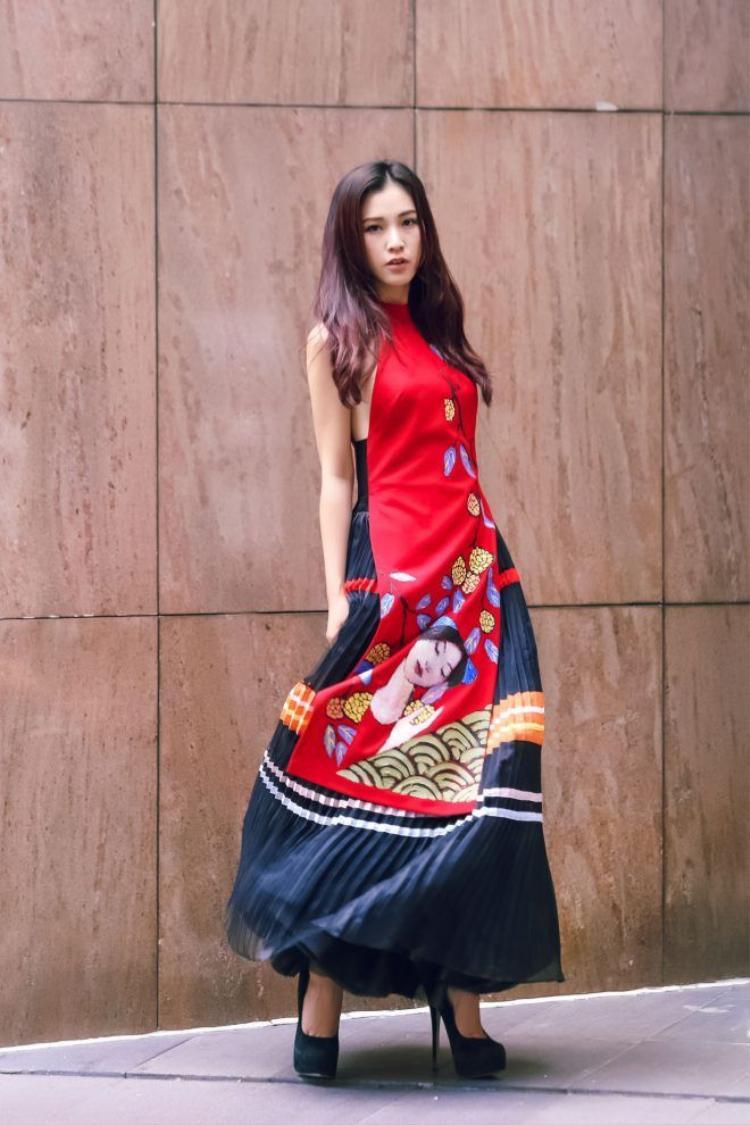 Khi Ái Phương và Hoàng Oanh đã chán diện minimalism!