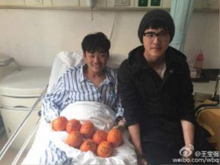 Nam diễn viên hài Vương Bảo Cường cũng cùng tham gia Nam tử hán chân chínhcùng Hạo Nhiên. Sau đó, cả hai tạo nên cặp đôi ăn ý trong Thám tử phố hoa.