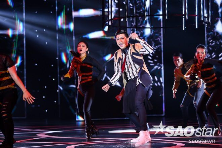 Không thể rời mắt trước màn trình diễn Noo Phước Thịnh tại Đêm hội chân dài 10