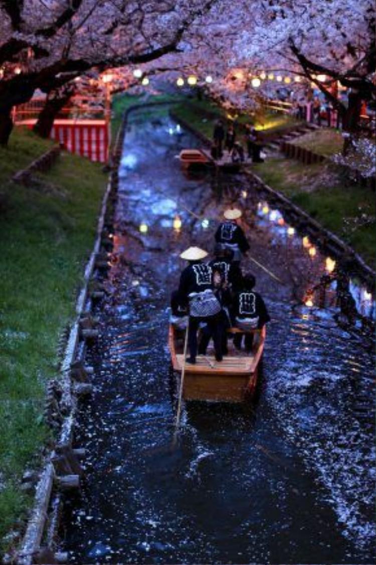 Chỉ cách Tokyo khoảng 30 phút di chuyển bằng xe lửa, Kawagoe mang kiến trúc cổ xưa từ những năm thế kỷ 15 - 18.